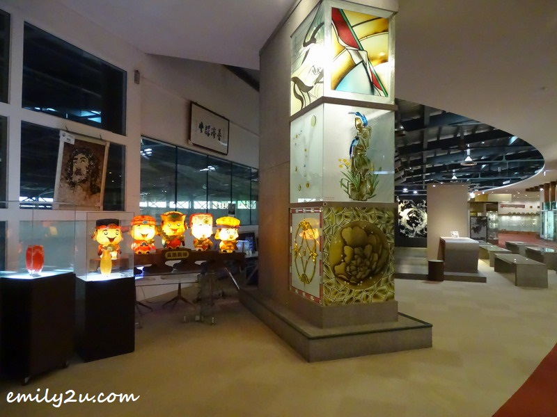 glass exhibits