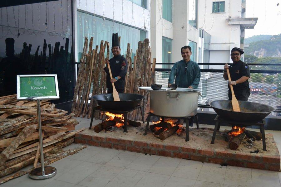 Kawah delights of Gulai Daging Tetel, Sup Tulang Rusuk Berempah dengan Roti Bengali and Gulai Kambing & Nangka Muda