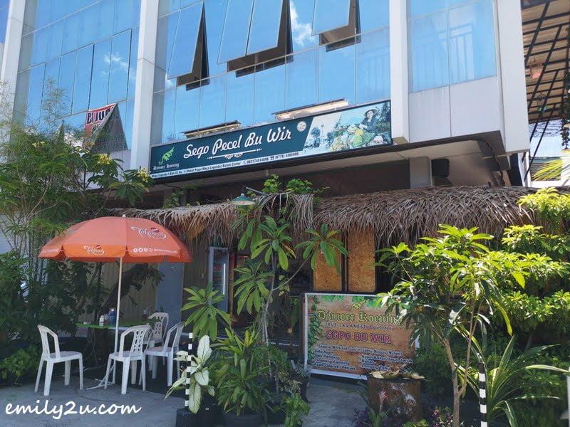 Sego Pecel Bu Wir in Batam, Indonesia