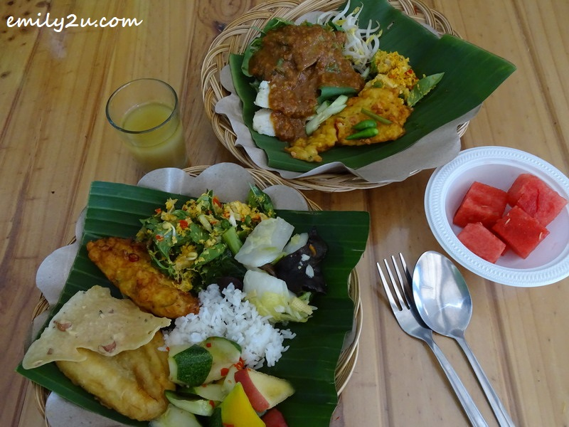a simple meal with sego pecel (top)
