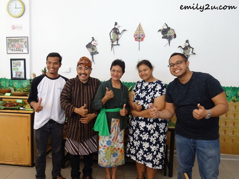 Edi Sutrisno (L) with Dimas, his parents and sister