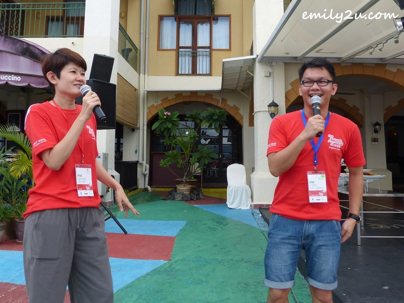 popular DJs Chiong Pei Pei (L) & Liang Kim Loong (R)