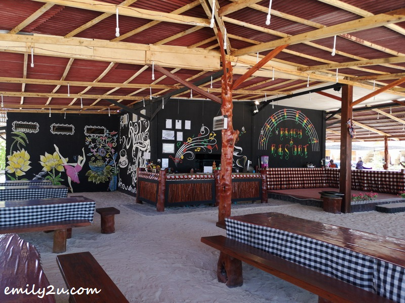 outdoor coffee house