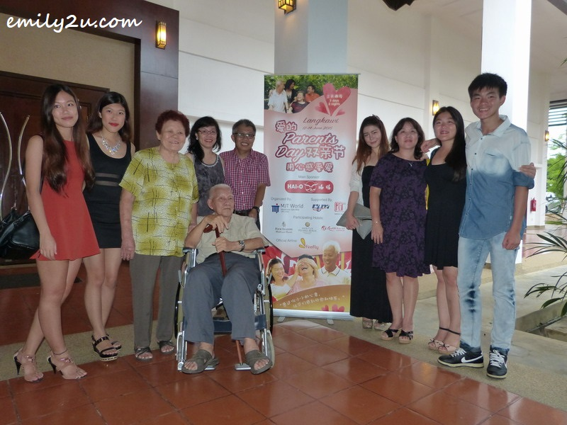 Yeow Weng Fee (in wheelchair) and his family just before attending the gala dinner