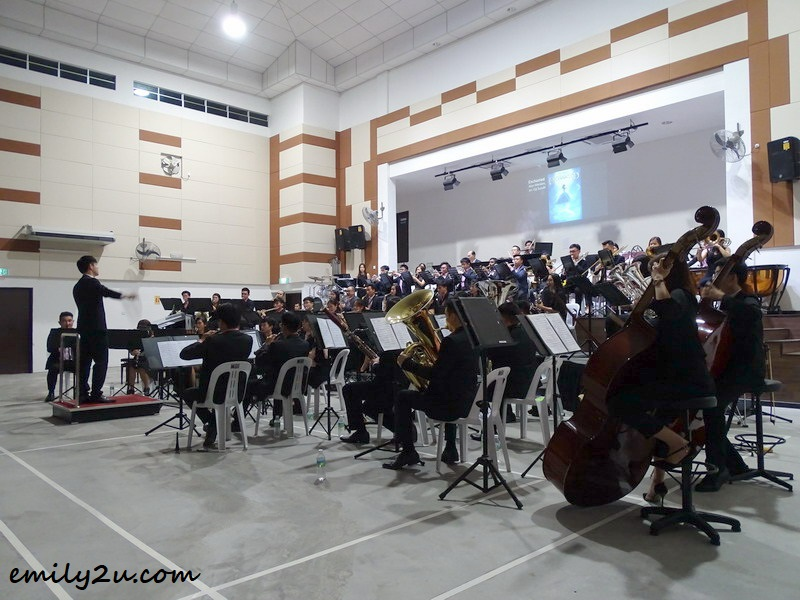 orchestra is conducted by Ipohite Aaron Chin