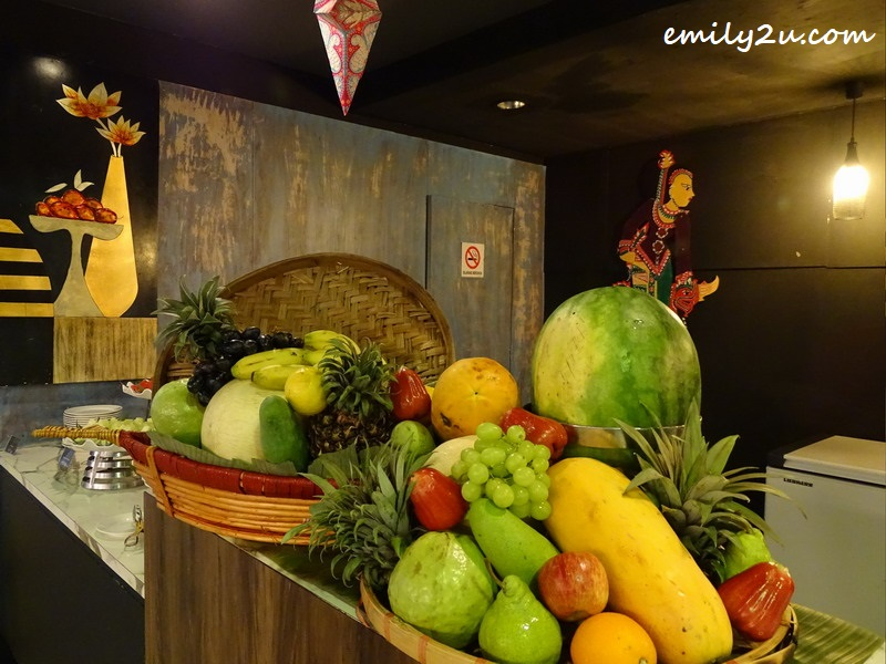tropical fruit counter