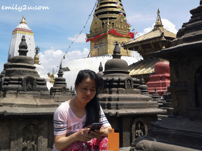 stealing some time among stupas to reply to work email