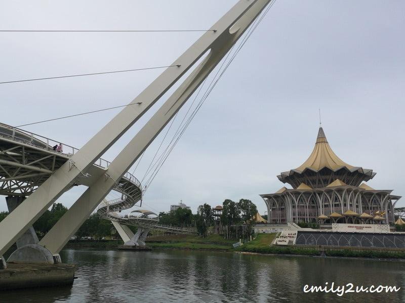 Darul Hana Bridge with Sarawak State Legislative Assembly Building in the background