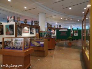 5 Cat Museum Kuching Sarawak