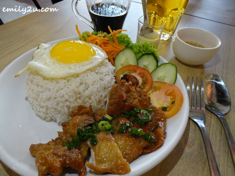 Com Ga Quay (Vietnamese Lemongrass Chicken Chop Rice)
