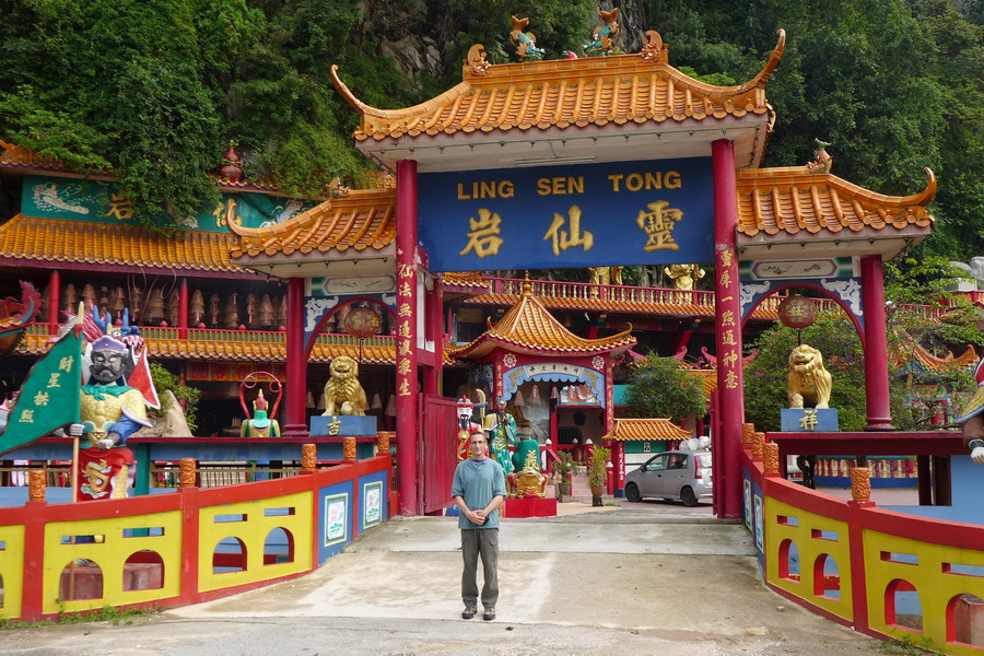 visiting Ling Sen Tong