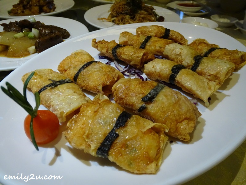 Crispy Fried Bean Curd Roll with Shrimps