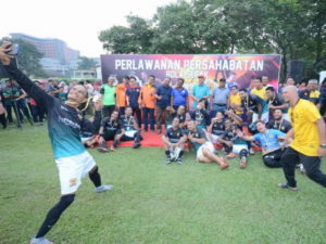 2 Super Lawak FC
