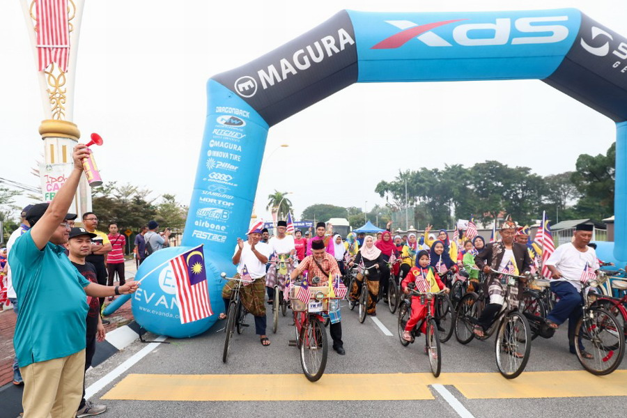 fun bike flag off by Ipoh City Mayor Dato' Ahmad Suaidi