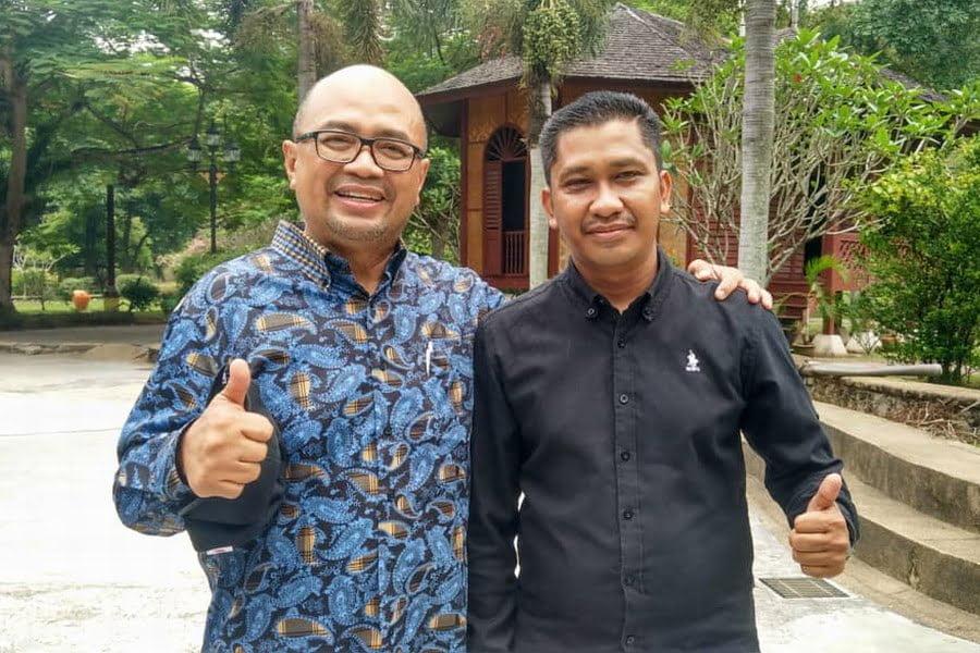 Yang DiPertua Kuala Kangsar Tuan Zulqarnain bin Mohamad (L) & Ipoh City Council Public Relations Officer Syahrizal Azmi (R)