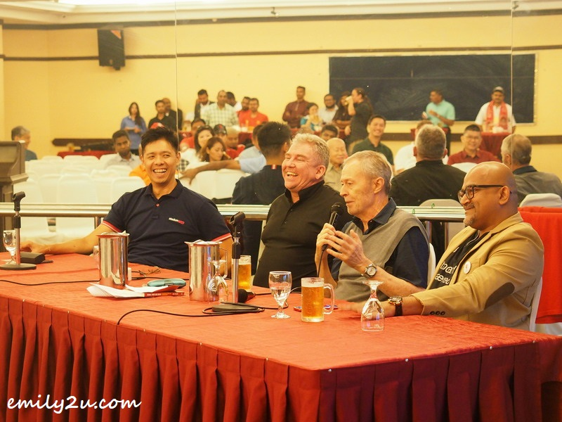 Bob Holmes (2nd from R) fields questions from the audience