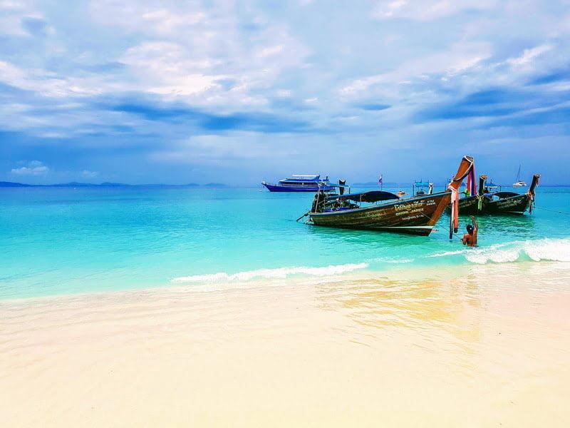 Phi Phi Islands, Phuket, Thailand (Photo by Deepain Jindal on Unsplash)