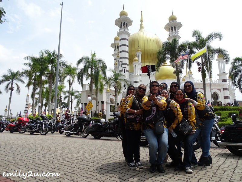 some of the Queenz pose for a wefie in front of Kuala Kangsar's picture-perfect Ubudiah Mosque