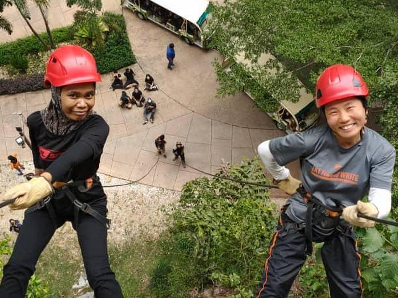 abseiling with Ros (L)