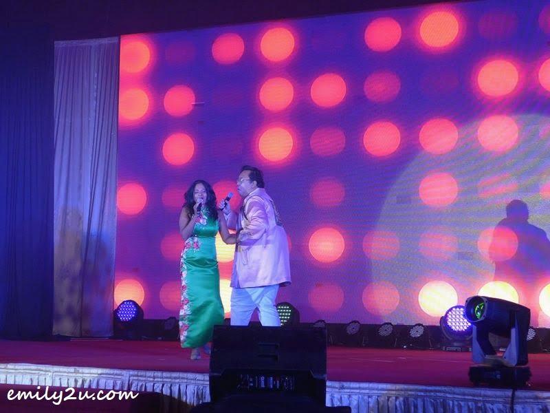 singing performance by Kanna (L) & Kareem (R)