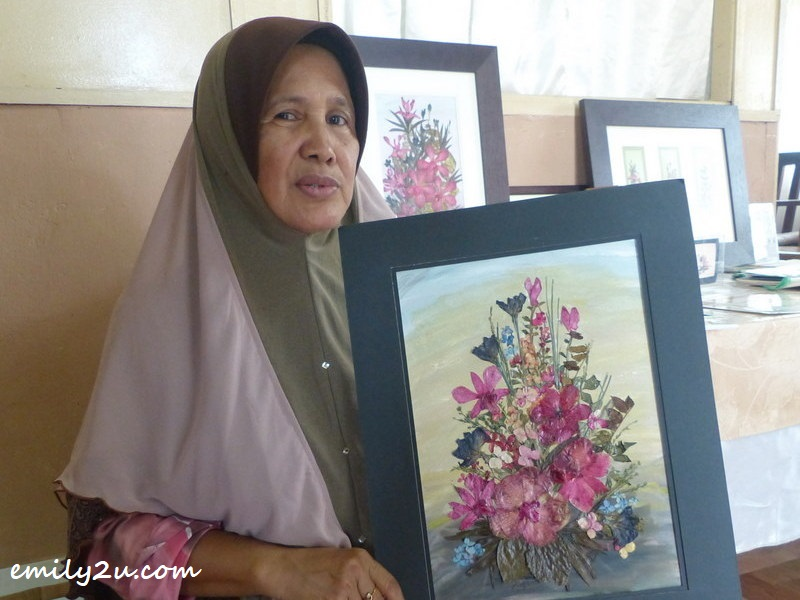 Esiah Binti Kaimon with her pressed flower art