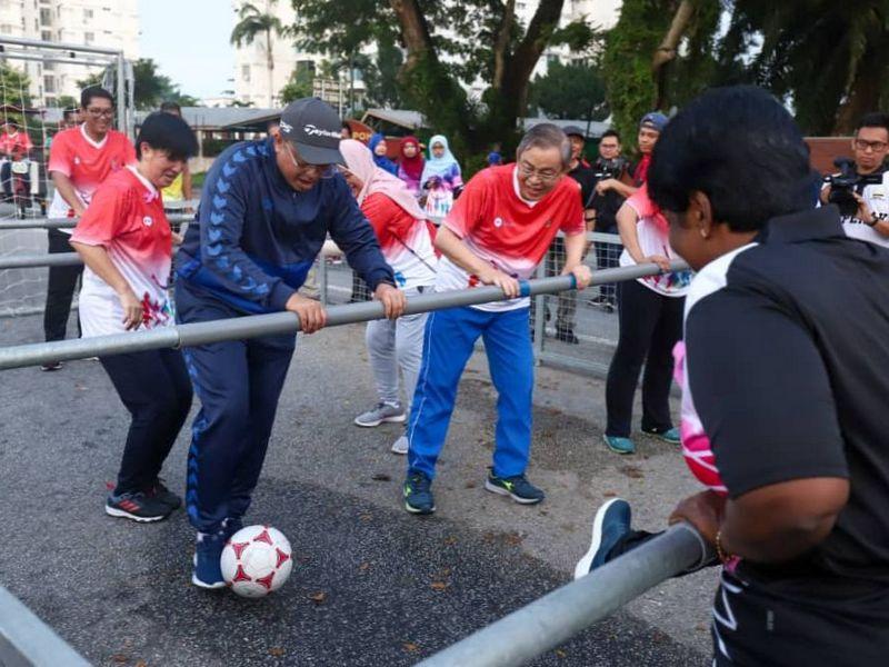 Ipoh City Mayor Dato' Ahmad Suaidi bin Abdul Rahim plays Human Table Football