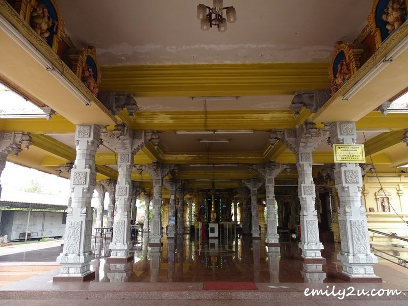 Maha Ganapathy Alayam Hindu Temple with impressive architecture
