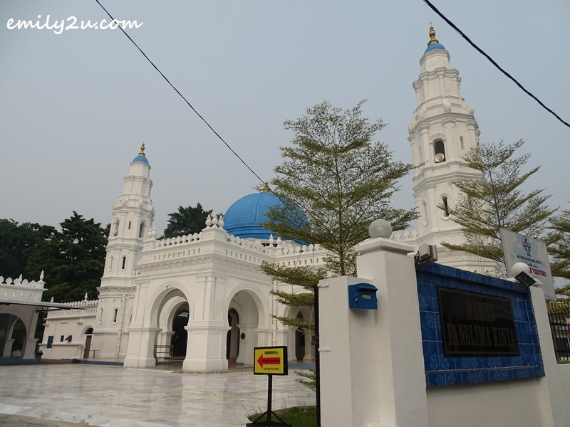 Panglima Kinta Mosque featuring Moghul & Neo-Classical architecture