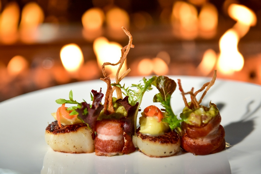 appetiser: scallop and bacon – pickled salad, avocado and fried kani stick