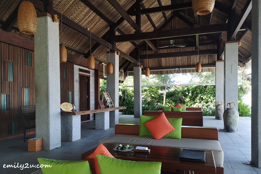 L'Alya Ninh Van Bay welcome lounge