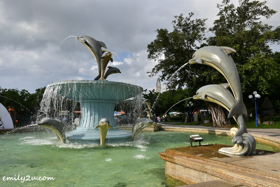 dolphin fountain