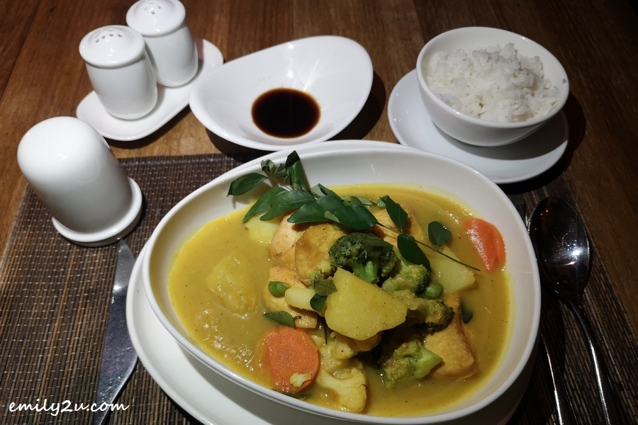 Fresh Curry Leaves Slow Cooked with Chicken served with Steamed Rice