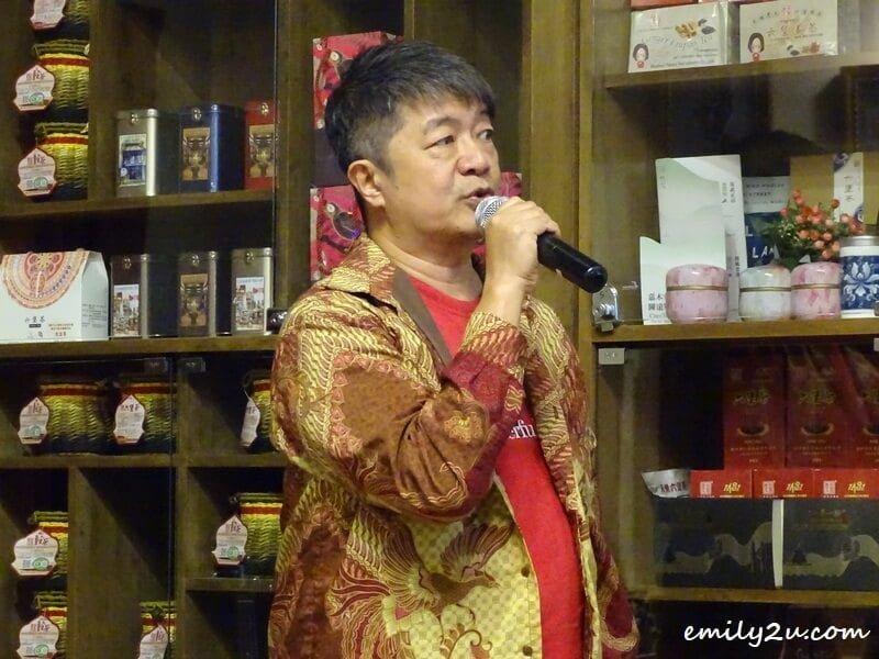 show organiser, Mr Kok Kee Boon himself an accomplished pianist