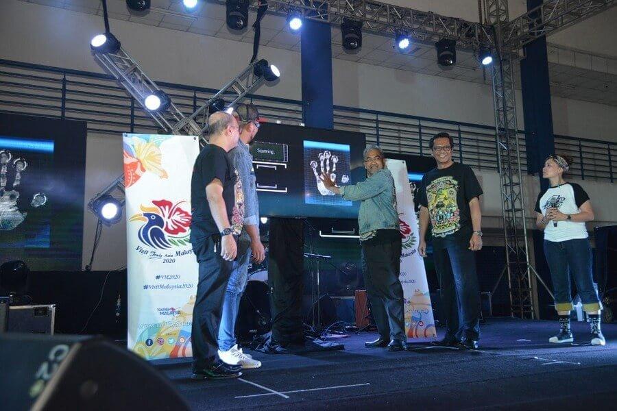 launch gimmick by Tourism Malaysia Director-General Datuk Musa Yusof