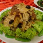 3 Menu B Steamed Woo Soo Chicken with Salted Spice and Chinese Herbs
