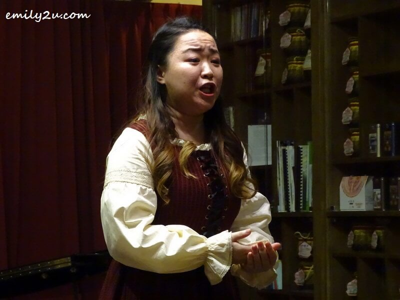 soprano Lee Yi Jing