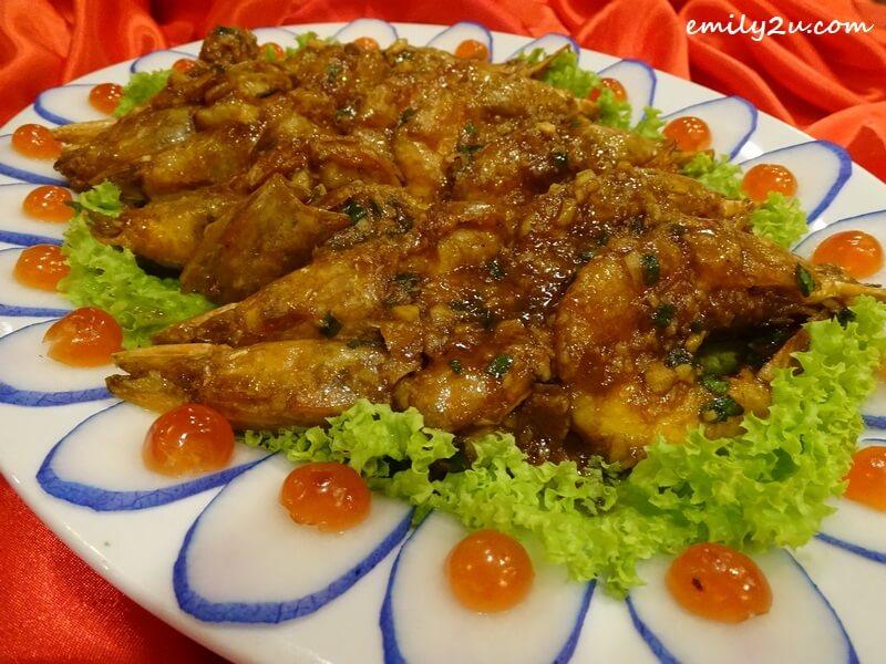 Menu B: Pan-fried Big Ming Prawns with Western Sauce