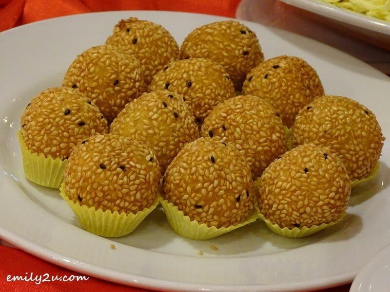 Menu B: Chinese Pastry