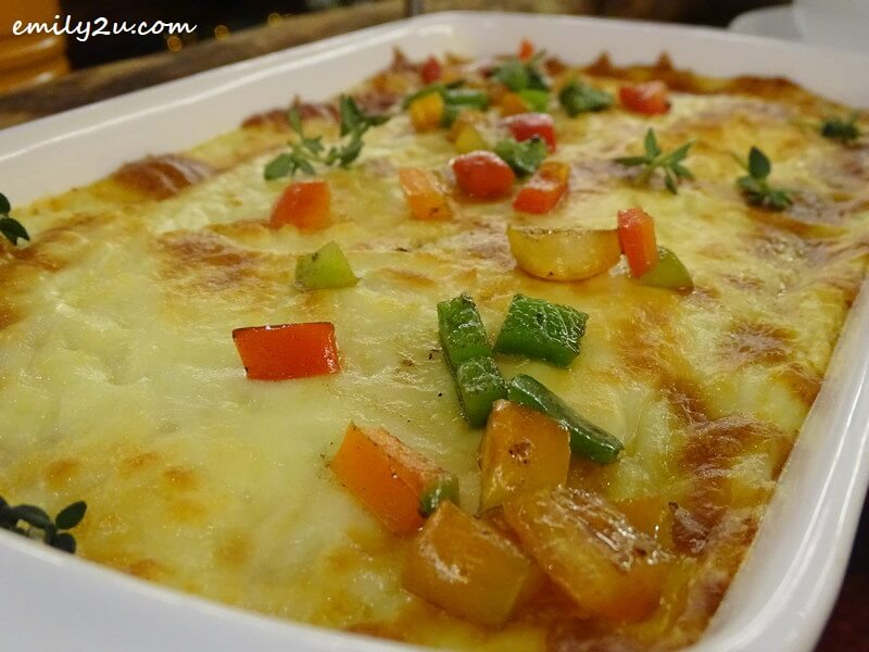 Potato Chicken Ham & Leek Gratin