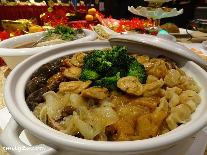 Chinese New Year Gourmet Poon Choi (盆菜)