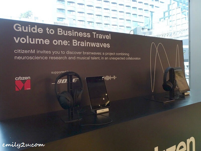 trying out the brainwaves experiment using Bose Quiet Comfort 35 II headphones