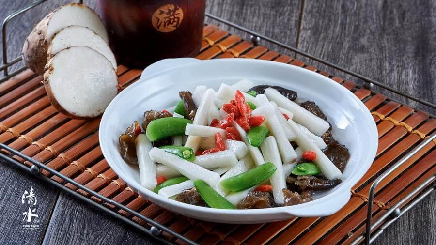 Stir-fried Black Fungus with Chinese Yam 云耳快炒山药
