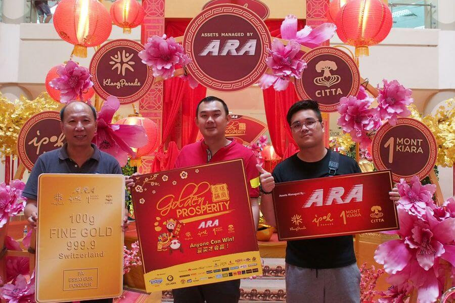 The top three winners from Ipoh Parade who will be competing at the Grand Finals on February 9 in Klang Parade are Yong Kok Keong (centre), Kuan Boo Jing (right) and Yew Kong Hoong (left), who win the first, second and third place respectively.