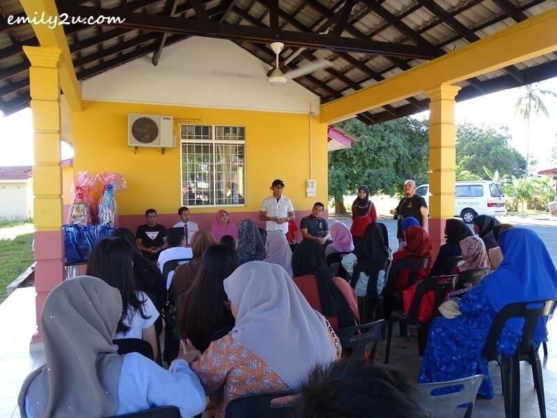 President of KSKMP (Perak Media Sports & Welfare Club) Rosli Mansor Ahmad Razali addresses the audience from Rumah Tunas Harapan Darul Hilmi at Teluk Ketapang, Kuala Terengganu