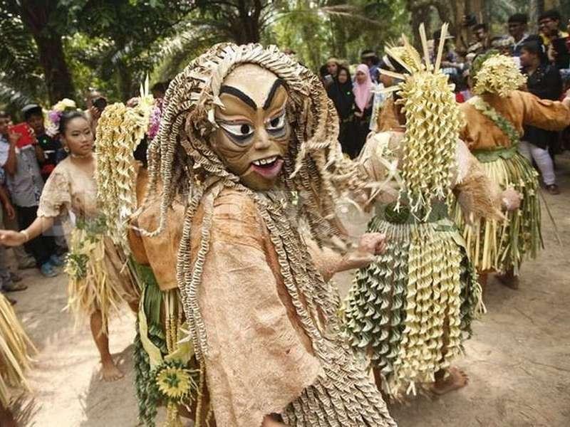 Mah Meri Cultural Village (credit: emaze)