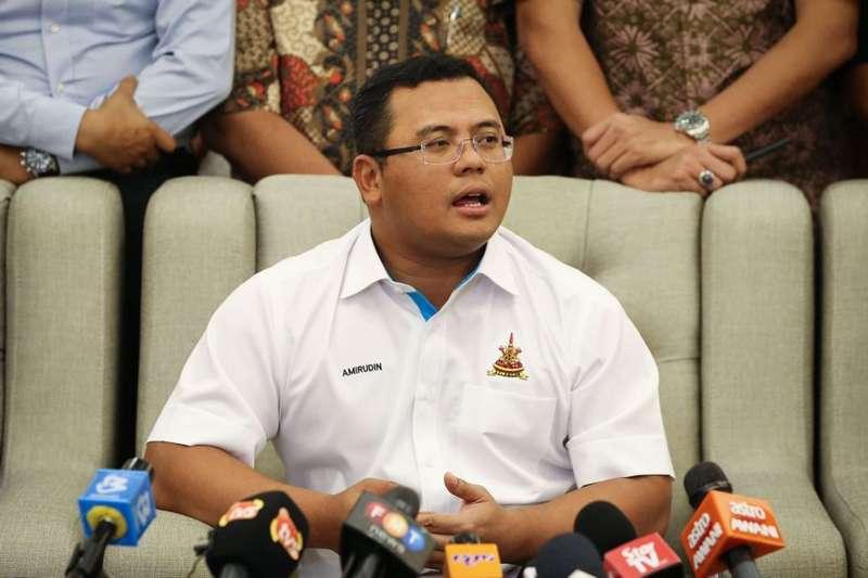 Datuk Seri Amirudin Shari, Datuk Menteri Besar Selangor during a recent press conference at his official residence in Shah Alam.