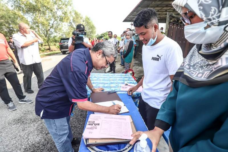 the mayor arrives at RPT Pengkalan Permai and goes through the new normal Standard Operating Procedure (SOP)