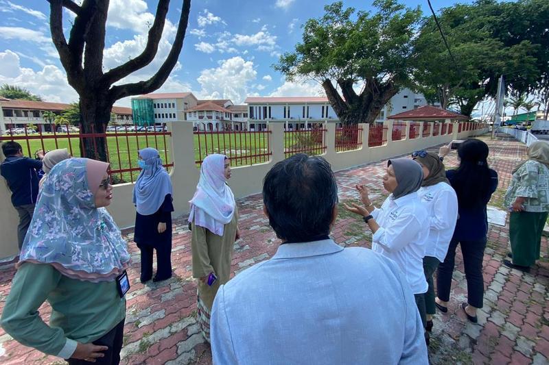 site visit to Sekolah Perempuan Methodist (MGS)