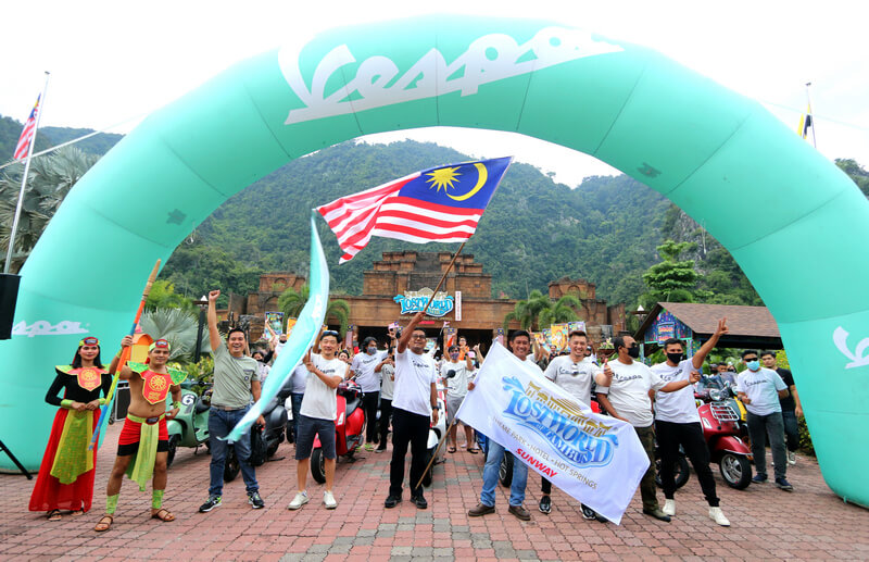 Vespa convoy flag off