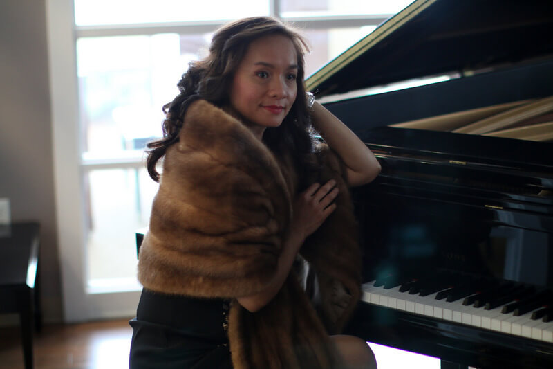 Lynn Yew Evers at her grand piano